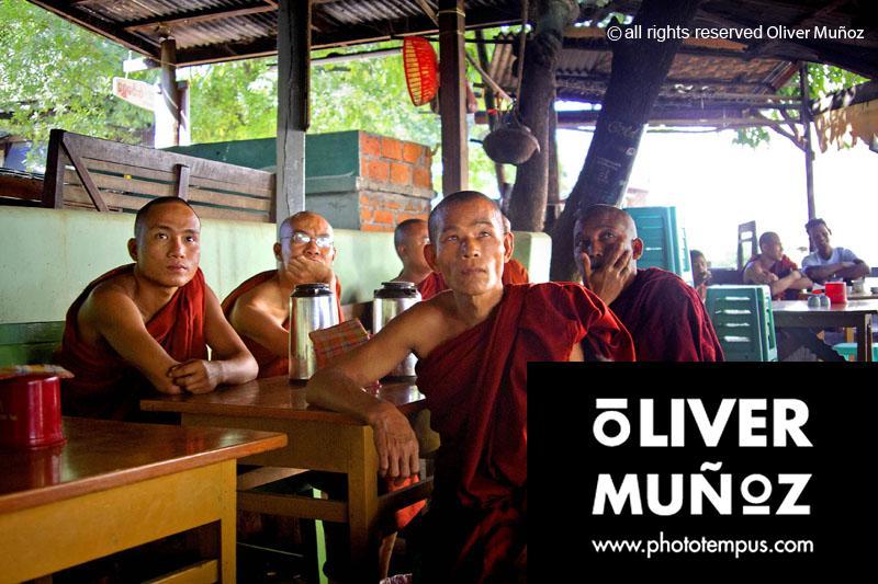 """"""" Buscando refugio """" en Myanmar, Birmania"""