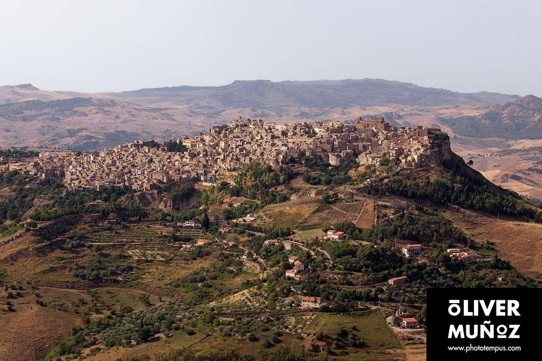 Sicilia, un tunel del tiempo al pasado